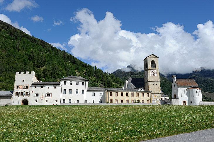 Eine Auszeit im Kloster nehmen