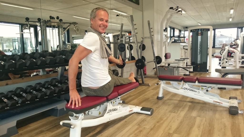 Yoga gegen Stress im Fitnessstudio