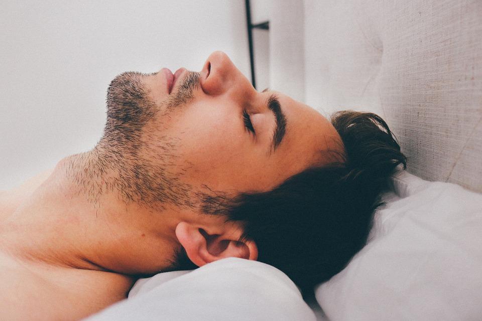 Wer ausreichend schläft, hat beim Stress abbauen keine Probleme